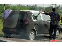 Upcoming Hyundai hatchback spied testing