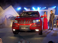 Mahindra XUV500 Launch Front Picture 2