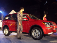 Mahindra XUV500 launch picture 1