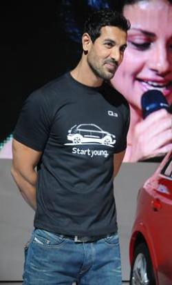 Auto Expo: Stars grace Audi party | CarTrade.com