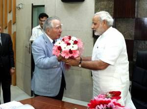 Narendra Modi - The new Indian PM shall drive in Mahindra Scorpio or BMW? | CarTrade.com