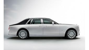 Eight generation Rolls-Royce Phantom detailed