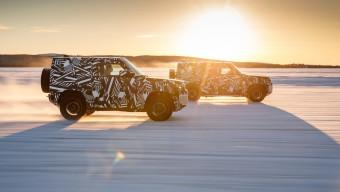 Land Rover Defender Image