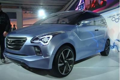 Hyundai Hnd7 2012 Front Head Lamp And Wheel