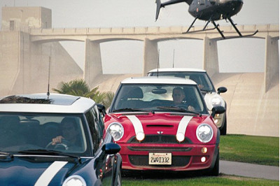 MINI becomes a hit at Auto Expo, gains from Players | CarTrade.com