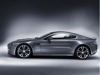 Aston Martin v12 Vantage Pic 3