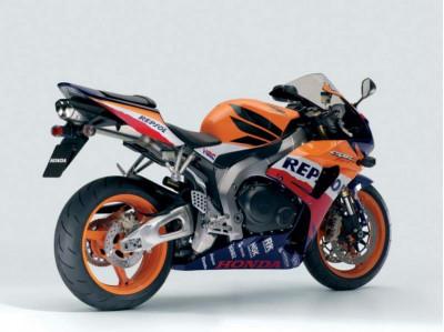 Honda Sells Super Bikes At Premium   CarTrade.com