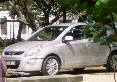 Hyundai Cuts Production in India | CarTrade.com