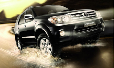 Toyota Fortuner in early 2009.