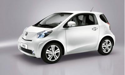 What if a Car made a Font? Toyota shows us! | CarTrade.com