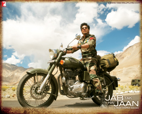 2013 Filmfare awards - Winning movies and cars showcased in them pic