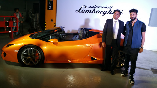 lamborghini launches huracan rwd spyder in india at rs crore cartrade. Black Bedroom Furniture Sets. Home Design Ideas