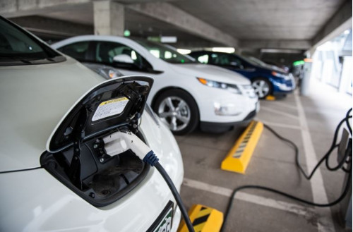 New electric vehicle policy to be ready by December | CarTrade.com