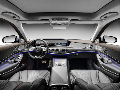 Mercedes-Benz S 560e interior