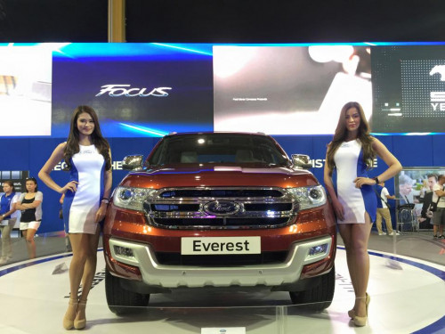 India-bound new Ford Endeavour unveiled at 2015 MIAS  | CarTrade.com