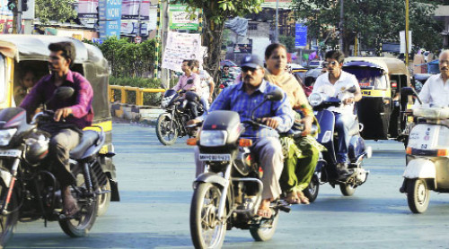 Mumbai RTO makes Helmet bonds mandatory to register bikes | CarTrade.com