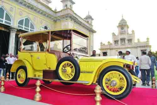 Vintage Car Belonging To Hyderabad S Sixth Nizam Damaged