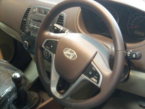 Hyundai i20 steering