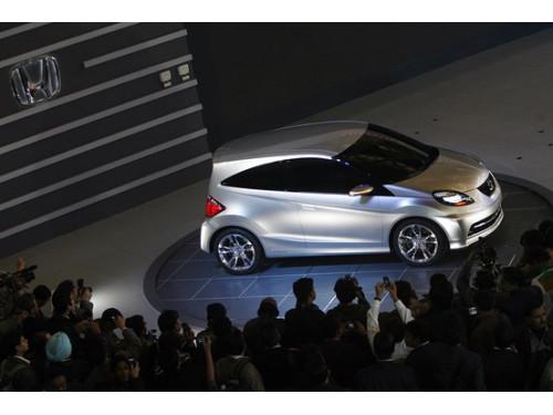 Honda Unveils its small car at Delhi Auto Expo | CarTrade.com