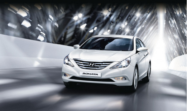2015 Hyundai Sonata redefines style with luxury | CarTrade.com