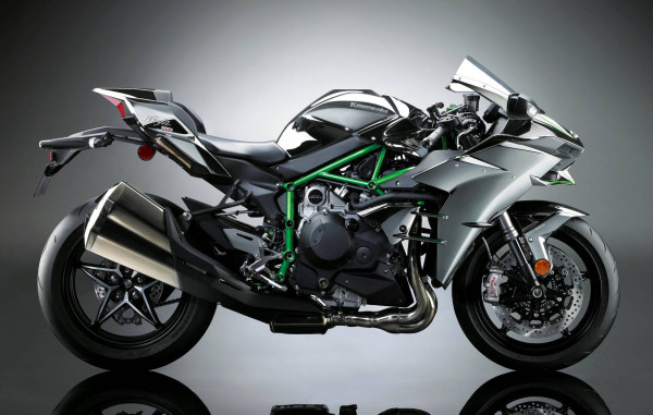 Kawasaki Ninja H2 ready to hit the Indian Streets - Bookings Commence | CarTrade.com