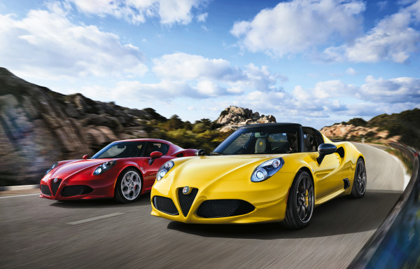 Alfa Romeo 4C Spider about to make a breakthrough at Geneva in Europe | CarTrade.com