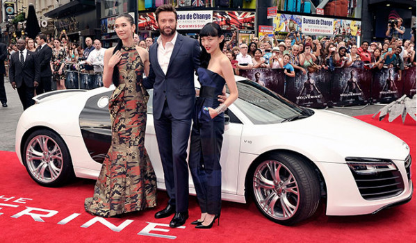 Hugh Jackman arrives at Wolverine London Premiere in an Audi R8 Spyder | CarTrade.com