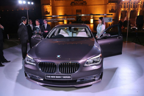 BMW 7 Series facelift unveils in India | CarTrade.com