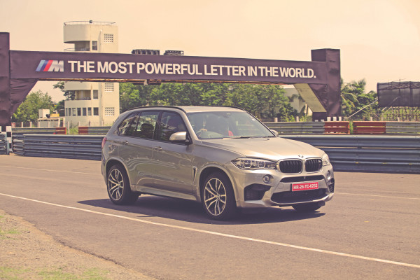 BMW X5 Expert Review, X5 Road Test - 206340 | CarTrade