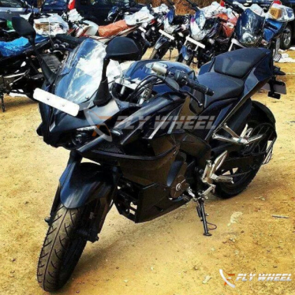 Bajaj Pulsar 200 SS expected to be launched soon in India | CarTrade.com