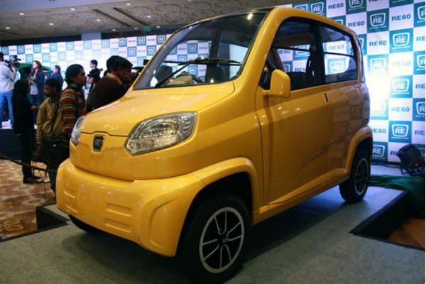 Tata Motors chides Bajaj Autos plans of RE60 quadricycle in India | CarTrade.com