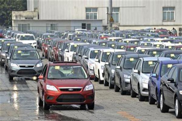 Car sales dip, whereas Motorbike sales rise during Dhanteras this year | CarTrade.com