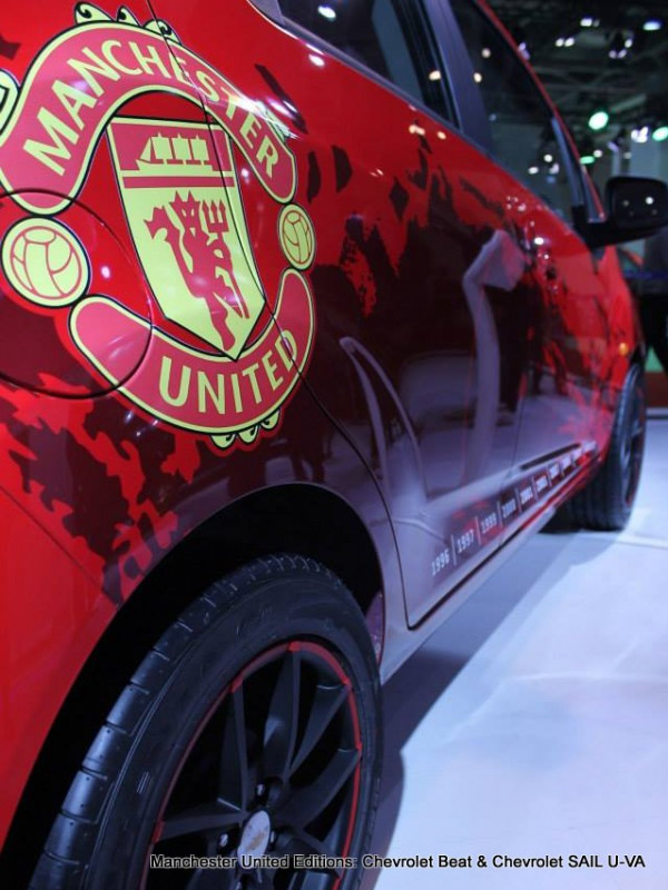 Manchester United Special edition of Chevrolet Beat and U-VA launch on 7th July, 2014 | CarTrade.com