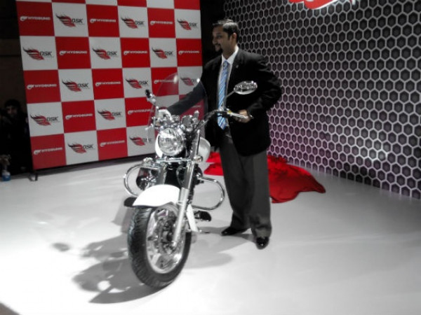 DSK Hyosung Aquila 250 launched at 2.69 Lakhs | CarTrade.com