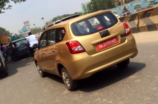Datsun GO+ MPV caught on camera | CarTrade.com