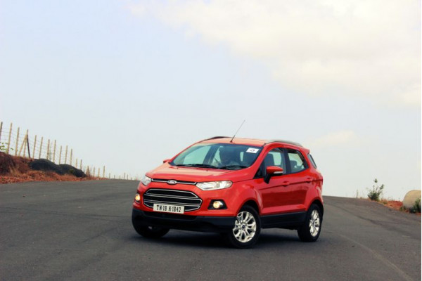Ford Ecosport temporarily stalls new bookings | CarTrade.com