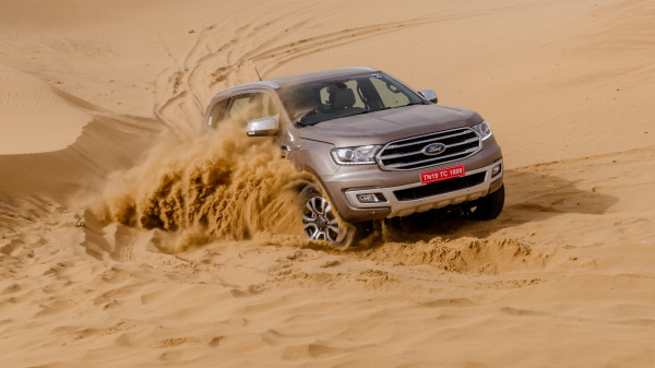Ford Endeavour Expert Review, Endeavour Road Test - 207060 | CarTrade