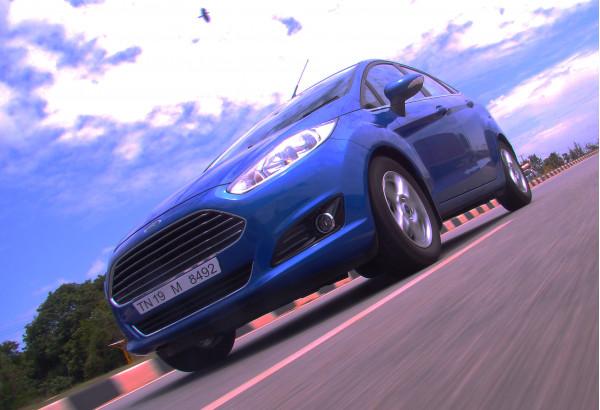 PM Narendra Modi urges Ford to make Sanand facility a global export hub | CarTrade.com