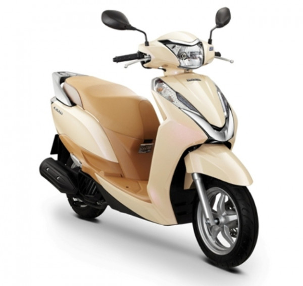Honda Lead 125cc Scooter arrives in India for testing purpose | CarTrade.com