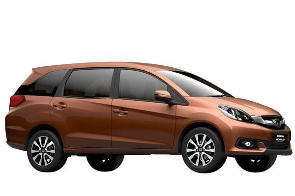 MUV Comparison - Honda Mobilio Vs Toyota Innova | CarTrade.com
