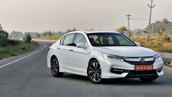 Honda Accord Expert Review, Accord Road Test - 206735 | CarTrade