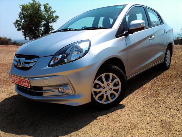 Honda Amaze Review: Smart n Compact - CarTrade