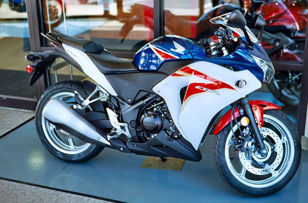 New Honda CBR 250R launched at Rs. 1.56 lakh | CarTrade.com