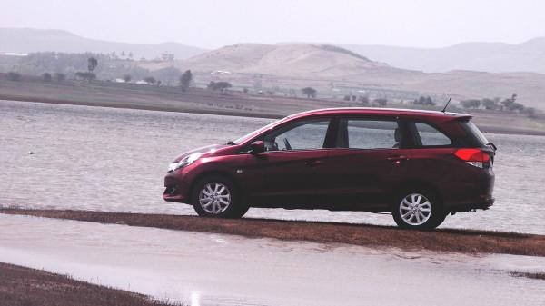 Honda Mobilio Images 27