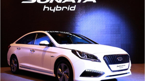 Hyundai showcases Sonata Hybrid ahead of Detroit Motor show | CarTrade.com