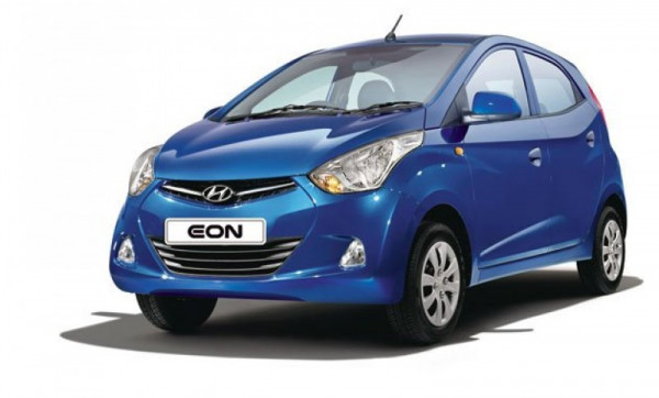 Hyundai Eon could take on the top model of Maruti Suzuki Alto 800 with a small discount this festive season | CarTrade.com