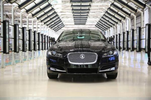 Jaguar XF introduced with a new 2.0-litre petrol engine | CarTrade.com