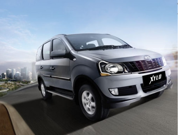 Chevrolet Enjoy Vs Mahindra Xylo.