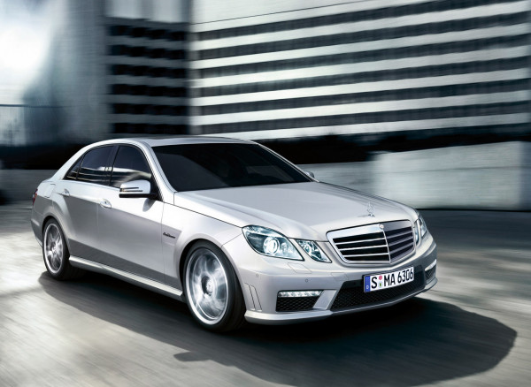 Upset with Mercedes Benz, an Indian businessman parades his E Class pulled by donkeys through city streets  | CarTrade.com