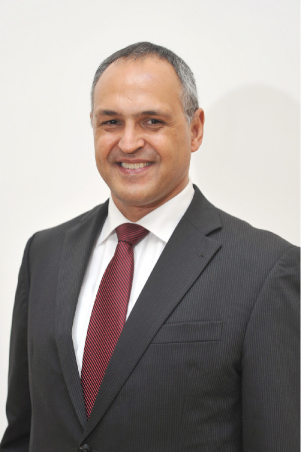 Mercedes benz india gets eberhard kern as the new ceo and for Mercedes benz ceo